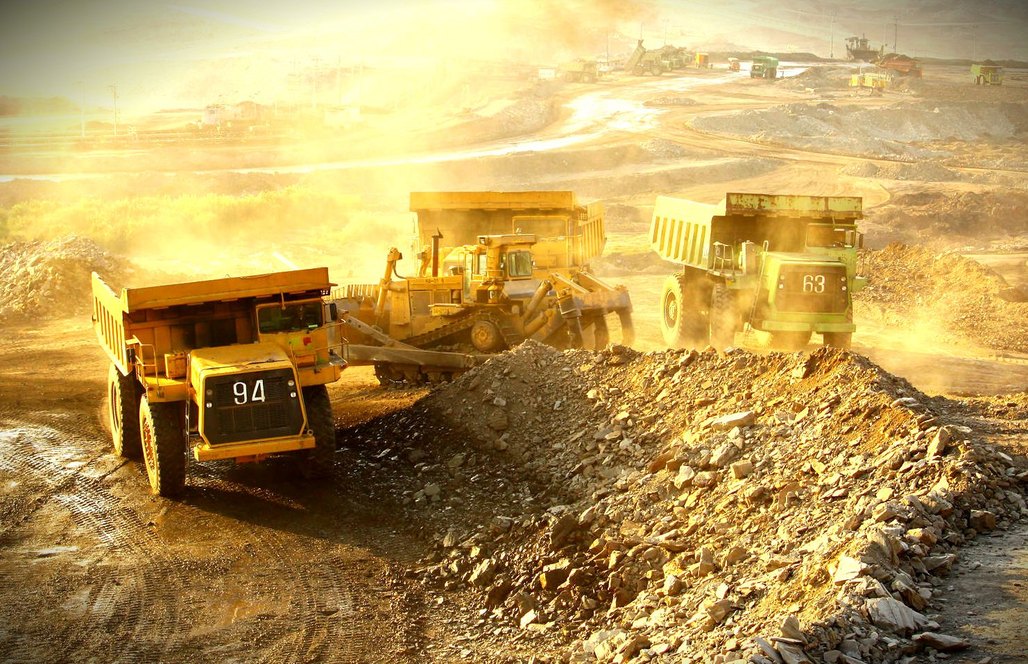 five force model for gold mining industry An important force within the five forces model is the bargaining power of major companies reduced mining operations and turned the industry back to its higher.