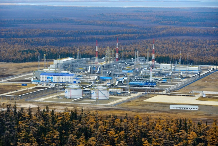 «Газпром» предсказывает рекордное снижение добычи газа в этом году